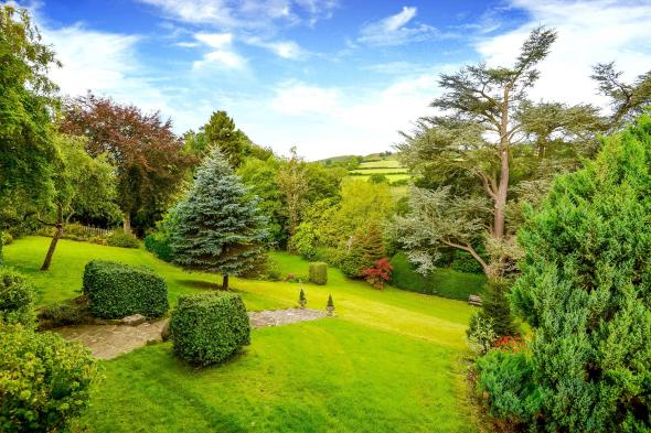 Castle Hill House, Kington, Bed and Breakfast, Herefordshire, Offa's Dyke, eco-friendly, beautiful period house with stunning views and spacious ensuite rooms
